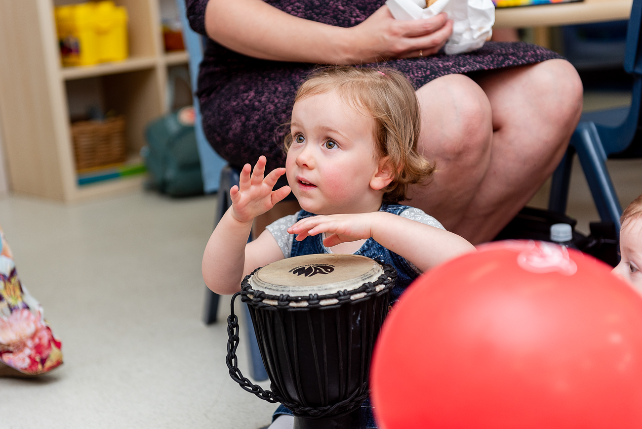 children drumming